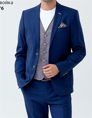 Темно синий костюм с накладными карманами