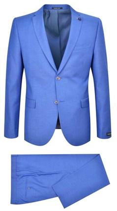 Голубой мужской костюм двойка