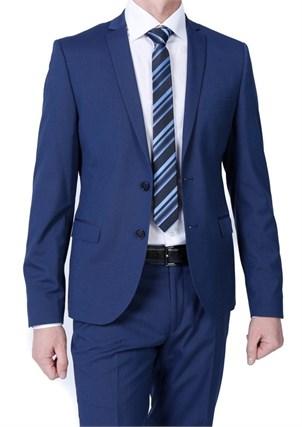 Укороченный мужской костюм