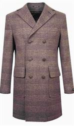 Двубортное коричневое пальто в клетку